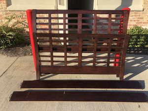 Queen size bed frame for Sale in Clinton, MS
