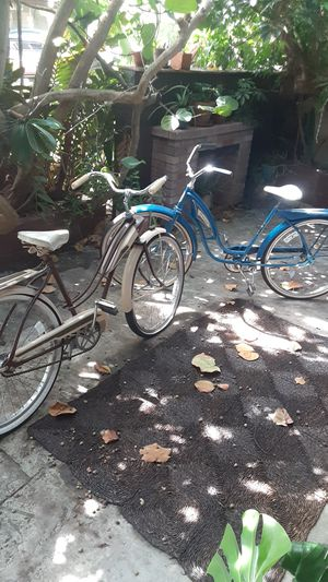 VIntage women's bicycles beach cruisers huffy old school bicycles bike 1970s 1960s 1950s retro old school for Sale in Pompano Beach, FL