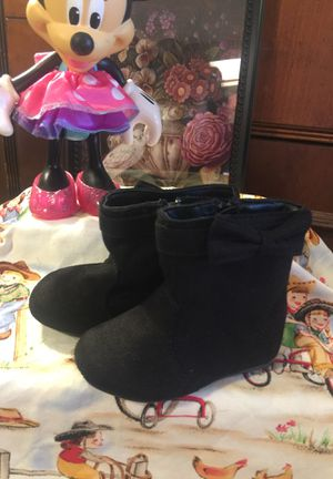 Little girls suede boots zip side size 3.5 euc little bow non skid for Sale in Northfield, OH
