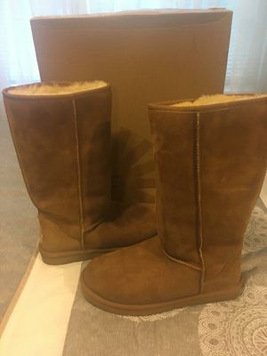 New Authentic Women's Classic UGG Size 9 for Sale in Norwalk, CA