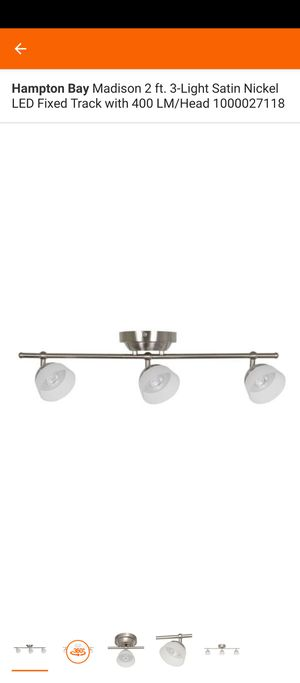 3 light track fixture for Sale in Tampa, FL
