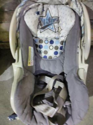 Flex-loc infant car seat with base for Sale in Apopka, FL