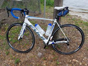 FUJI Altamira 2.5 Road Bike 56cm for Sale in Haines City, FL