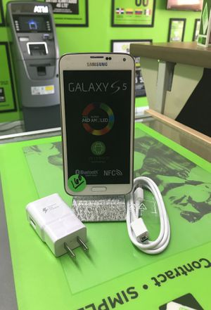 Samsung galaxy S5 white unlocked new never used for Sale in Hialeah, FL