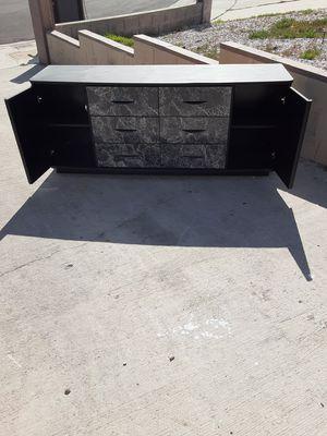 Huge 6 drawer dresser black for Sale in Las Vegas, NV
