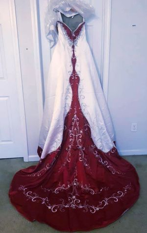 Alfred angelo size 10 wedding/quinceanera dress for Sale in El Paso, TX