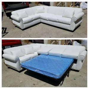 NEW 7X9FT WHITE LEATHER SECTIONAL WITH SLEEPER COUCHES for Sale in Fontana, CA