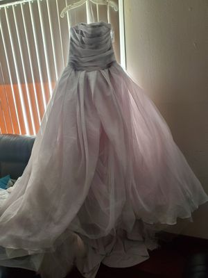 Vera Wang wedding dress Size 12 for Sale in Matteson, IL