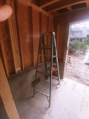 8 Ft step ladder for Sale in Washington, DC