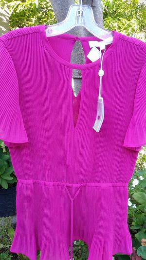 Blouse Michael Kors size 4 hot pink new. for Sale in Brownsville, TX