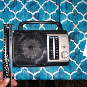 Vintage radio shack AM FM radio receiver for Sale in Miller Place, NY