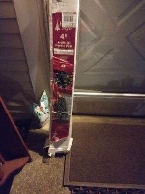 4 FOOT CHRISTMAS TREE WITH WHITE LITES for Sale in Millersville, MD