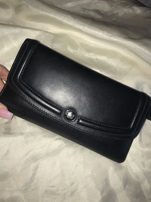 Coach wallet with checkbook holder for Sale in Los Angeles, CA