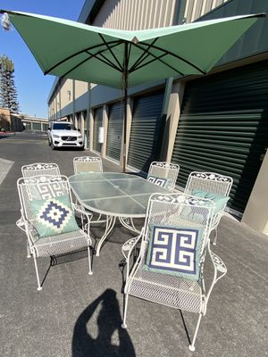 9 piece outdoor patio set furniture with brand new pillows & patio umbrella 🔥🔥🔥 FREE DELIVERY WITHIN 5 MILES 👍 for Sale in Las Vegas, NV