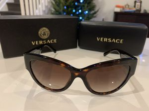 New sunglasses for Sale in Cutler Bay, FL