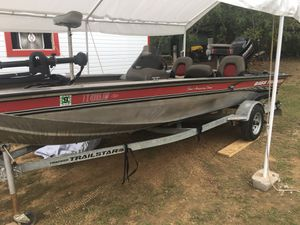 Trail star bass boat for Sale in Elgin, TX