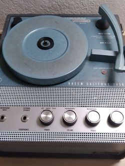 Perfect Rheem Califone Vinyl Record Player for Sale in Fresno,  CA
