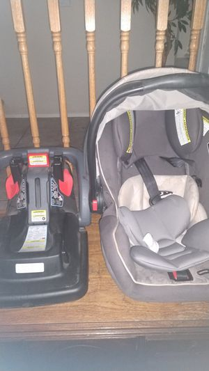 Graco car seat with base for Sale in Maricopa, AZ
