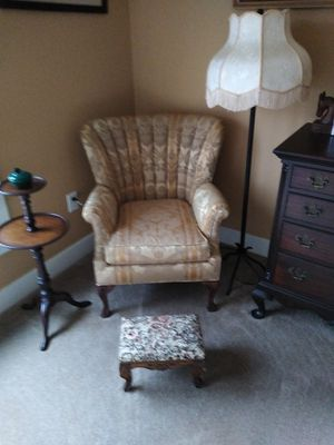 Antique chair. Excellent condition for Sale in Laurel, MD