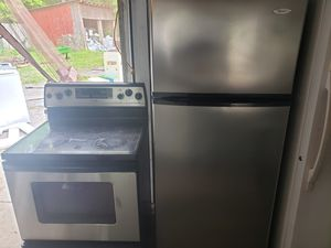 Whirlpool fridge stainless for Sale in Cumberland, VA