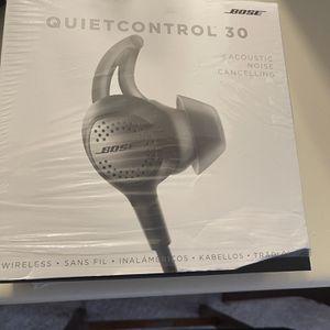 Bose Quietcontrol 30 for Sale in Chesapeake, VA