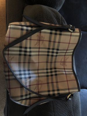 Authentic Burberry Hay market bag / tan brown for Sale in San Diego, CA