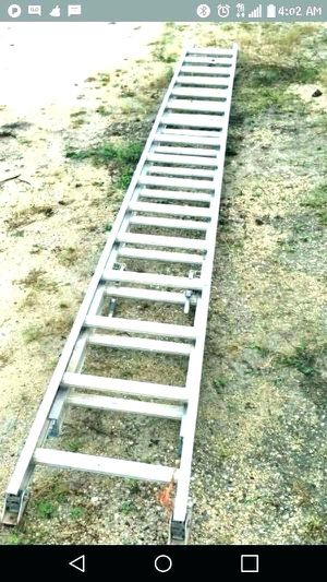 32 ft Aluminum extension ladder for Sale in Seattle, WA