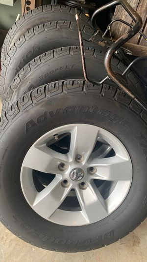 4 BFGoodrich Advantage T/A Sport LT 265/70/R17 Tires and rims for Sale in Chattanooga, TN