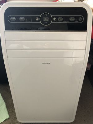 APORTABLE AIR CONDITIONER 10,000 BTU with HUMIDIFIER for Sale in Beaverton, OR