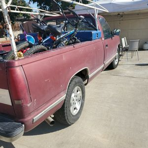 90 Chevy Silver 2500 for Sale in Los Angeles, CA