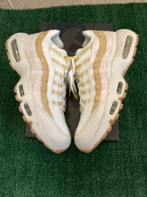 Nike Airmax 95 gold (CHECK PROFILE) for Sale in Benicia, CA