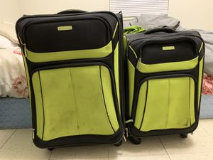 2 piece suitcase set for Sale in Pekin, IL