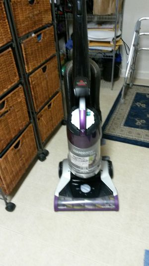 Bissell pet bagless upright vacuum for Sale in Pottstown, PA