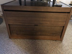 TV Stand - oak faux wood for Sale in North Royalton, OH
