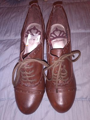 ✨Fergalicious Leather Lace Up Shoes/Heels✨Like New✨8.5 for Sale in Puyallup, WA