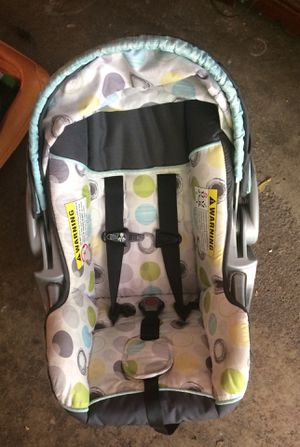 Infant car seat for Sale in Maplewood, MN