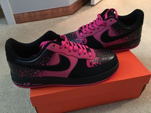 """"""" VERY RARE TO FIND """" AF1 - BLACK & PINK / MINT CONDITION!!!!!!! MENS 10.5 !!! SO VERY UNIQUE!!!!!! for Sale in Orlando, FL"""