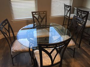 Beautiful Glass Dining Table with 4 Chairs for Sale in Mesquite, TX