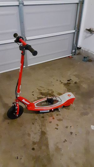 Red razor electric scooter for Sale in Vista, CA