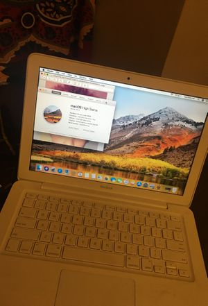 MacBook 2009 for Sale in Cleveland, OH