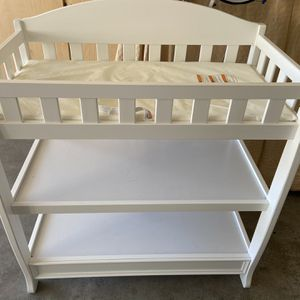 Baby Changing Table for Sale in Phoenix, AZ