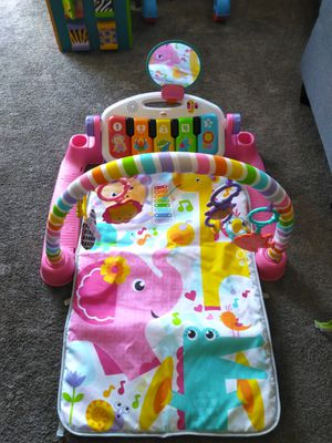 Baby piano and car seat toy for Sale in Bakersfield, CA