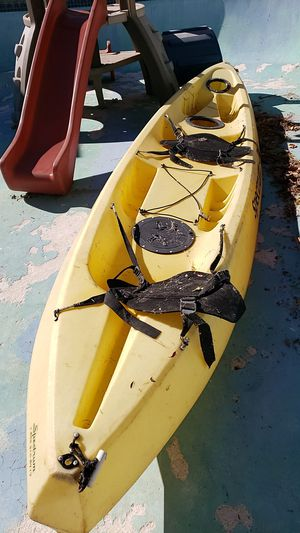 Spectrum duo tandem kayak needs repair for Sale in Chatsworth, CA