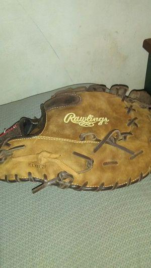Rawlings baseball glove for Sale in House Springs, MO