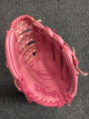 Wilson Pink Baseball Glove for Sale in St. Peters, MO