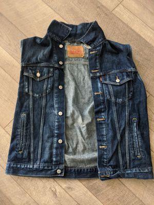 Levi's XL Sleeveless Jean Jacket for Sale in Atlanta, GA