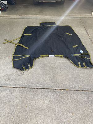 WeatherBeeta detach a neck Medium horse blanket for Sale in Fort Worth, TX