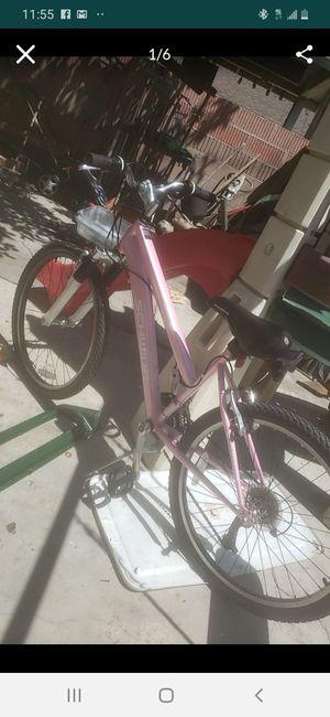 Schwinn girl mountain bike in grate condensation for Sale in Long Beach, CA
