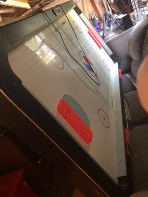 Electric air hockey table for Sale in Carver, MA