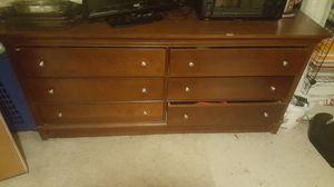 Beautiful dresser. Se habla Espanol for Sale in Orlando, FL